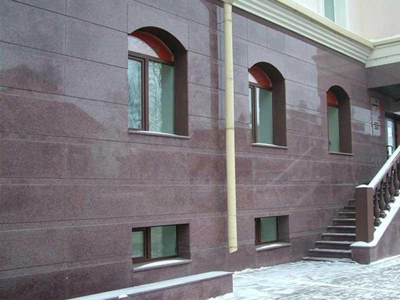 Облицовка фасадов гранитом и мрамором